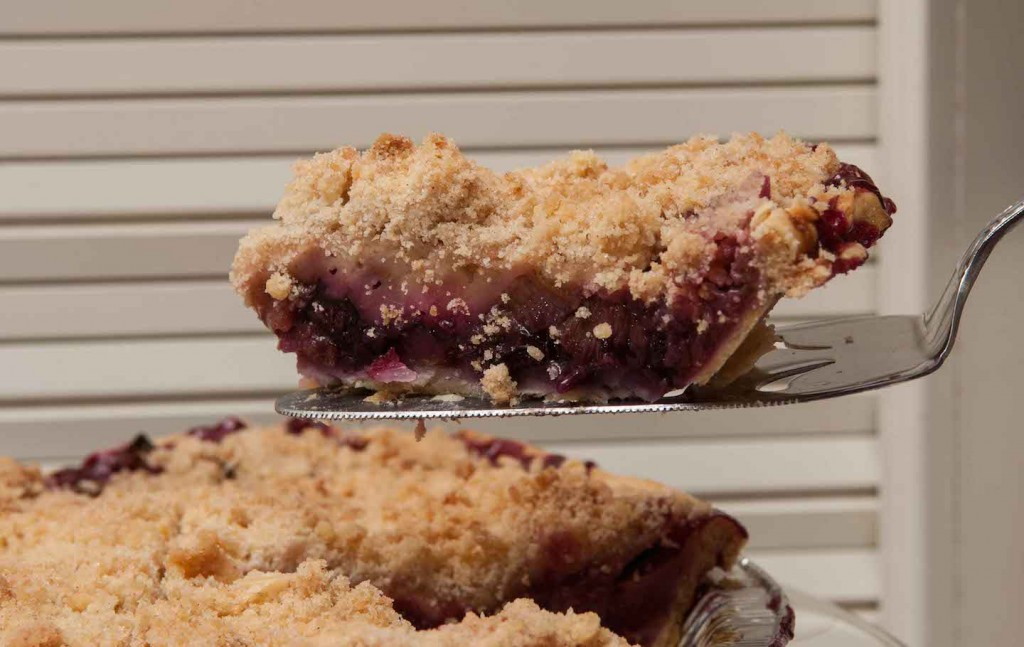 Blueberry Rhubarb Crumb Pie, Photo by Diane & Doug Russell